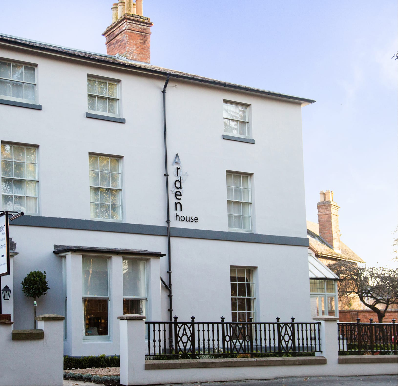 Choose to visit Arden House in Stratford-upon-Avon as part of the Eden Hotel Collection.